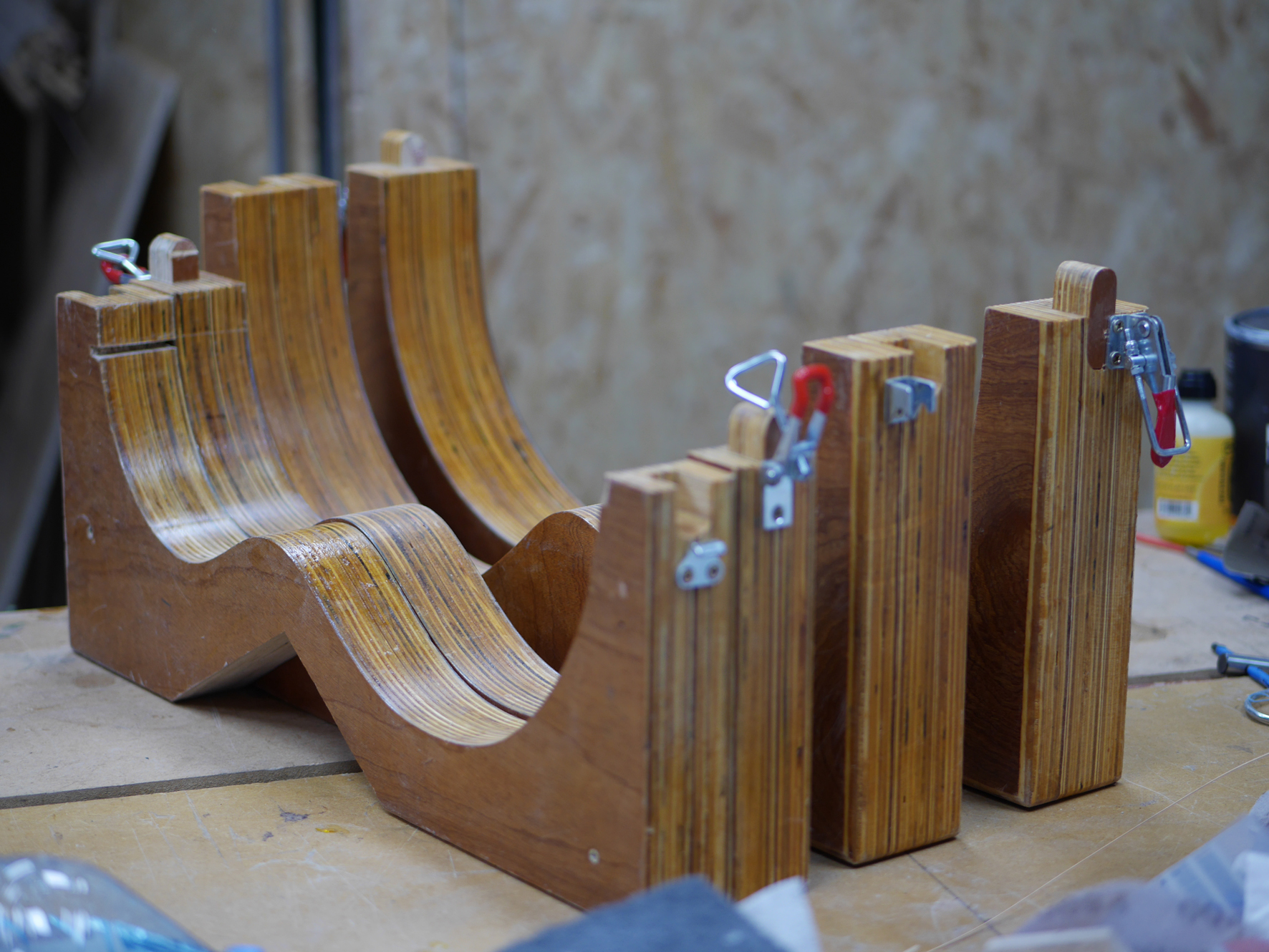 montgomery guitars, workshop