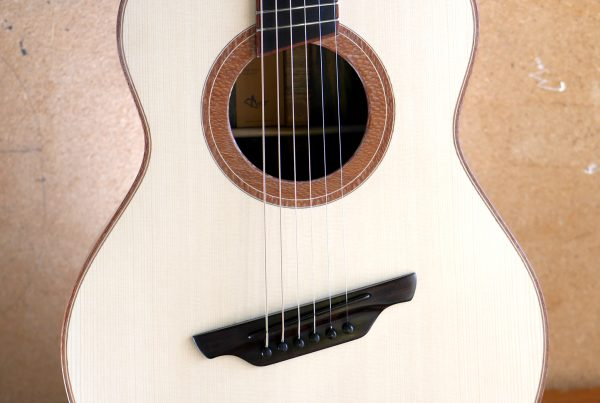 fan fret, fanned frets, concert, acoustic guitar, ebony, spruce