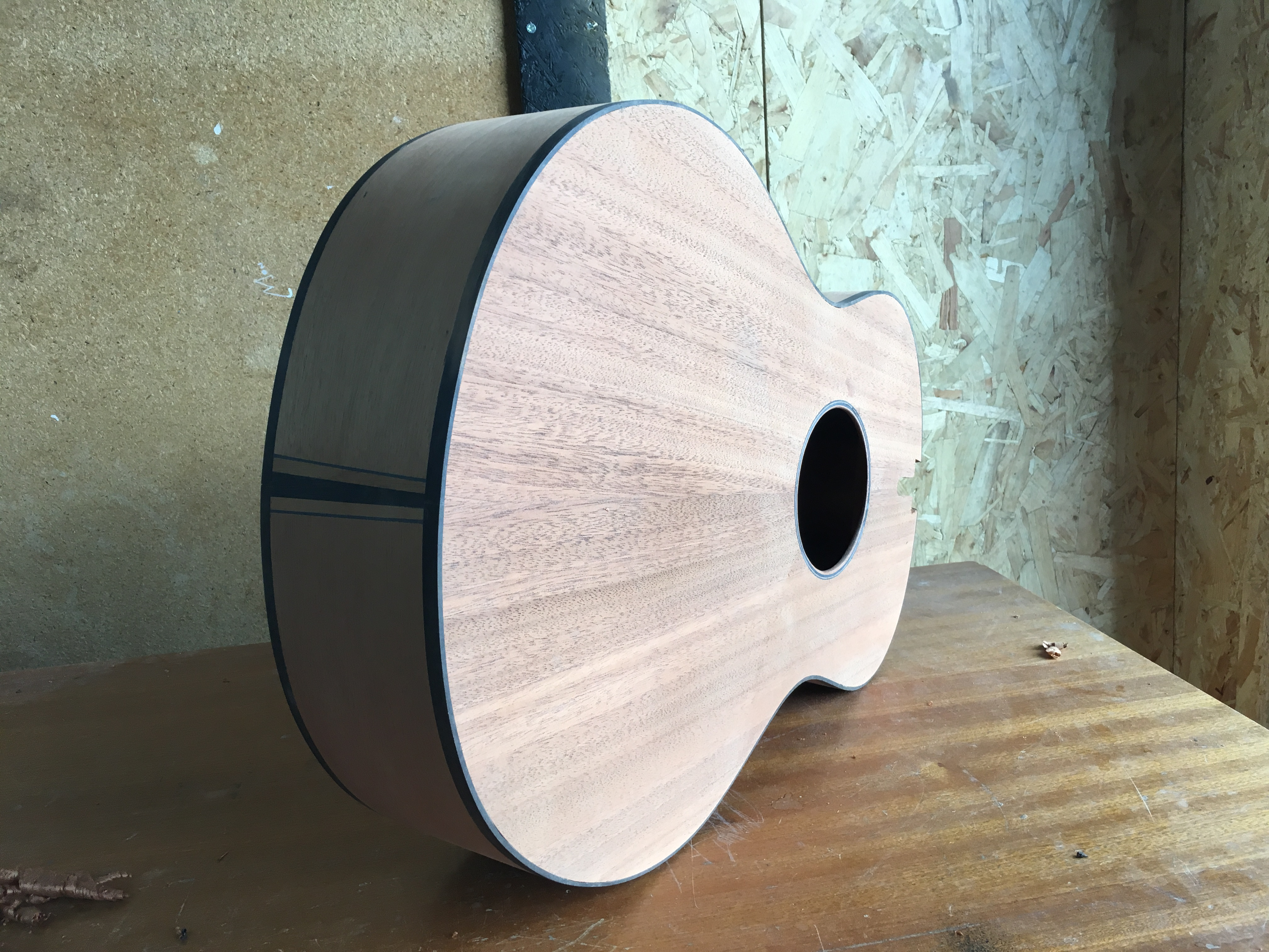 recycled mahogany, custom, luthier, acoustic guitar