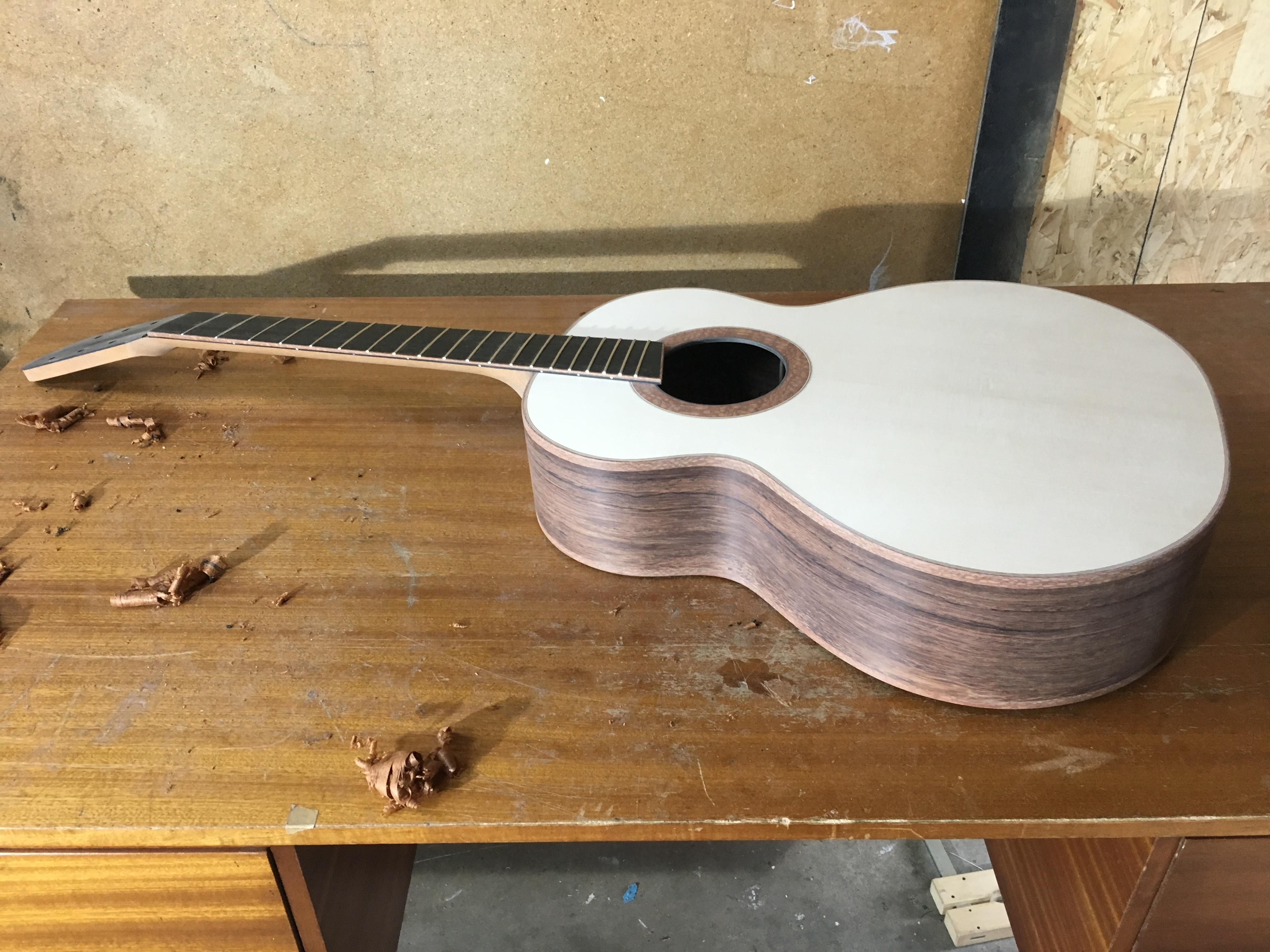 fanfret, fanned frets, madagascar rosewood, spruce, montgomery guitar