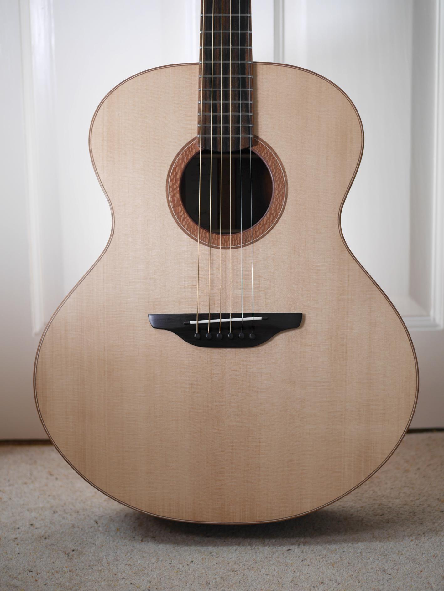 andreas montgomery, montgomery guitars, honduras rosewood