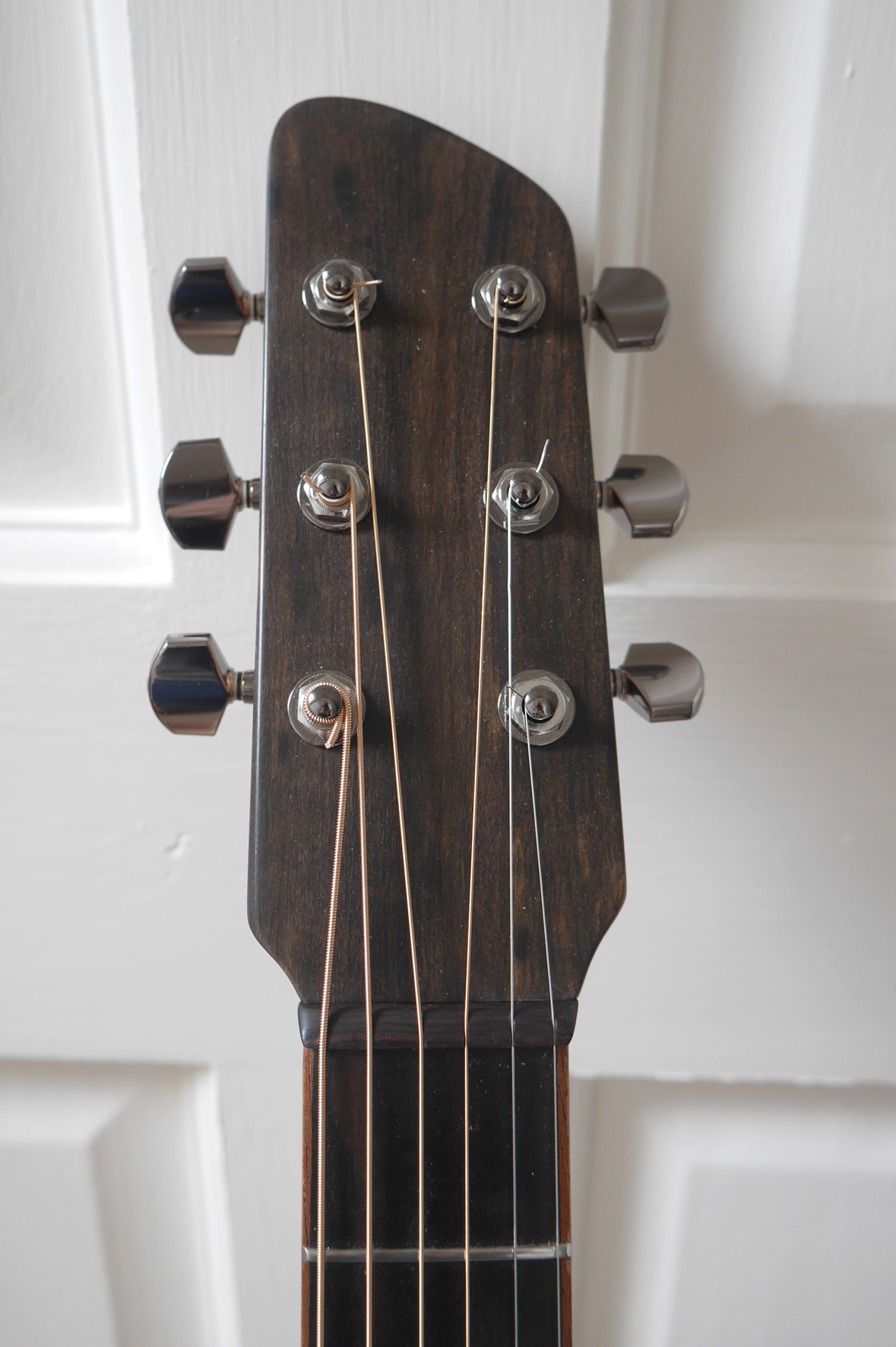 andreas montgomery, headstock, montgomery guitars, luthier