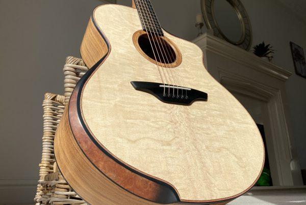 jumbo, acoustic guitar, sitka spruce, arm bevel, montgomery guitars, luthier, noethern ireland