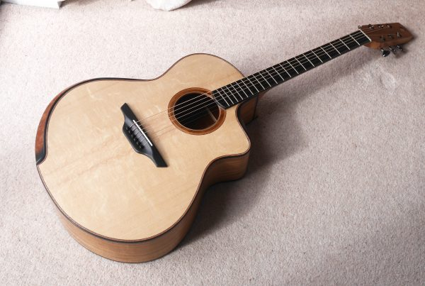 jumbo, acoustic, guitar, montgomery guitar, andreas montgomery, handymade